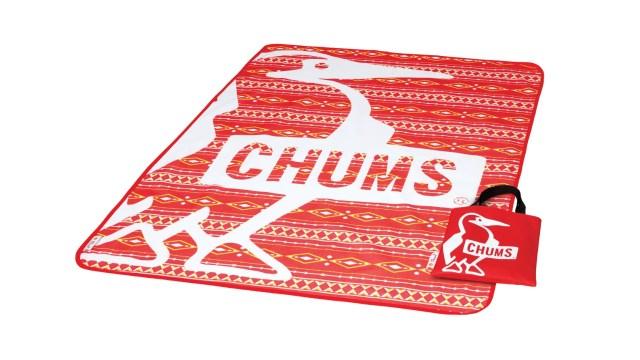 【民族風野餐墊】野餐墊將 Shell 品牌黃色與 CHUMS 品牌紅色完美糅合於長青的民族風圖案,再將可愛趣緻的 Booby Bird 勾勒在圖案之上,讓人愛不惜手!(長 140cm X 闊 100cm)