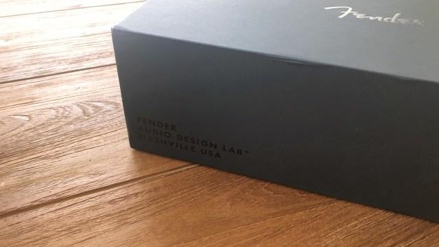外層黑紙上面都有精緻設計,絕少見到耳機會如此注意包裝細節