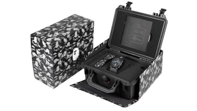 BR03-92 25TH Anniversary 限量系列用上防水 PELICAN 錶盒盛載!