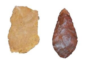 Silcrit fra hulerne ved Pinnacle Point, Sydafrika. Stykket til venstre er uopvarmet, mens stykket til højre er opvarmet og efterfølgende forarbejdet.