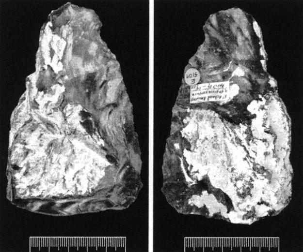 Flintøksen der blev fundet in situ ved St. Acheul, Sommedalen den 27. april 1859.