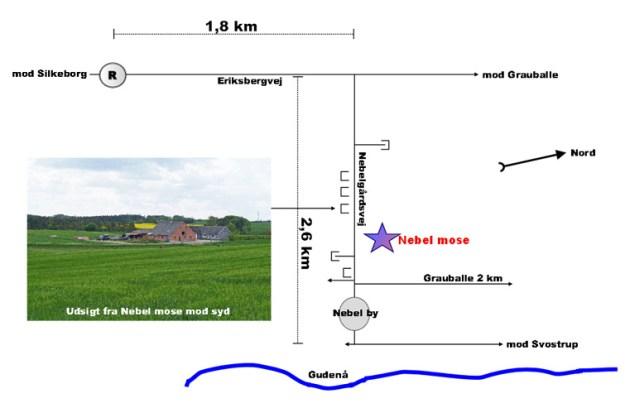 Fra Silkeborg centrum køres ad Nørreskov Bakke til rundkørslen nord for byen, og herfra er der 1,8 km til at Nebelgårdsvej går fra til højre. Efter ca. 1½ km anes Nebel mose til venstre for vejen. Mosen ligger omgivet af træer ca. 200 m fra landevejen.
