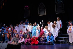 2010 The Best Christmas Pageant Ever (2)