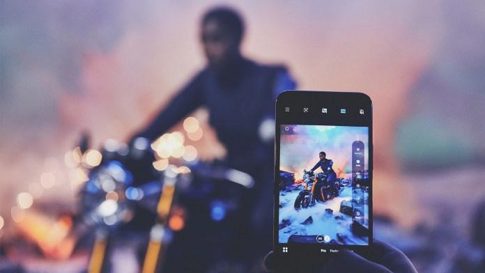 Nokia lanceert 8.3 5G met 00-agente Lashana Lynch