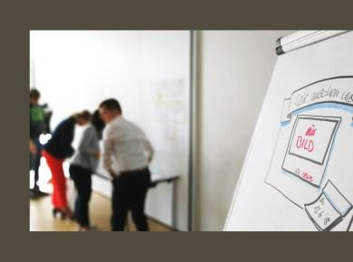 Foto eines Flipcharts aus einem Zielgruppen-Workshop von menschmark mit CEWE