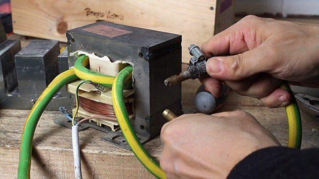 Сделать споттер для точечной сварки и другие приборы для прочих видов сварки контактного типа своими руками можно