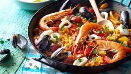 Paella θαλασσινών: Από την Ισπανία στο πιάτο σου…