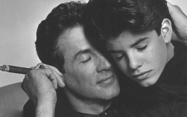 Σέιτζ Σταλόνε: Πεθαίνοντας στη σκιά του πατέρα του