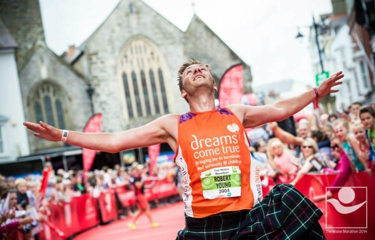 Rob Cardiff finish line