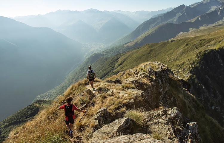 running in the pyrenees men 39 s running uk. Black Bedroom Furniture Sets. Home Design Ideas