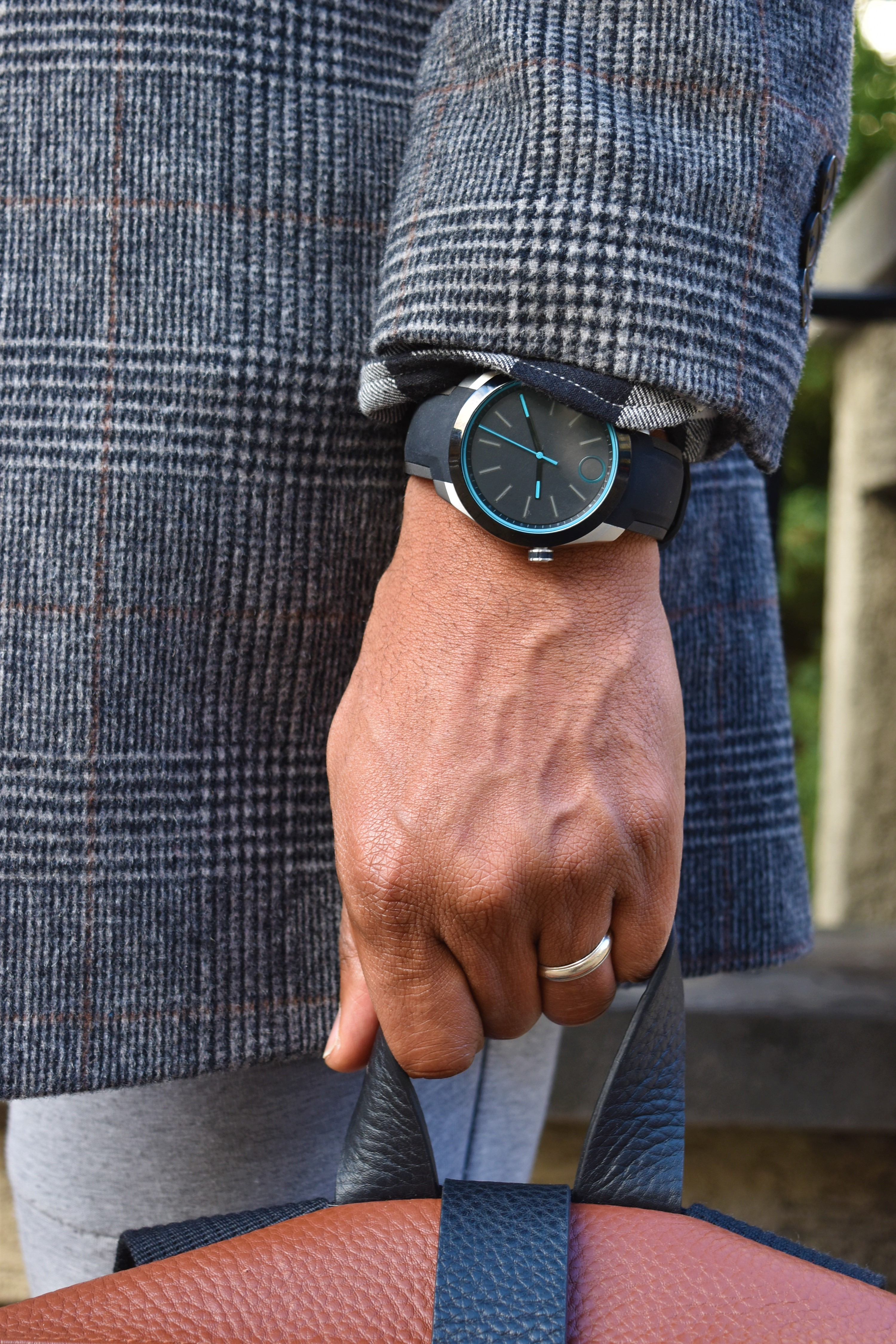 Sabir M. Peele of Men's Style Pro reviewing Movado Bold Motion, Engineered by HP smartwatch