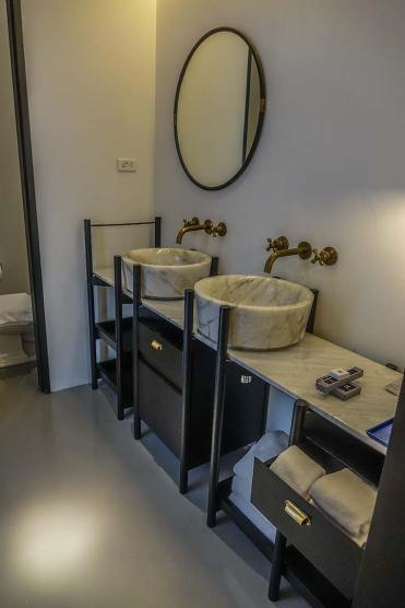 hotel artist ping silhouette chiang mai review (6)