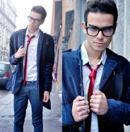 Blue velvet blazer with red velvet tie
