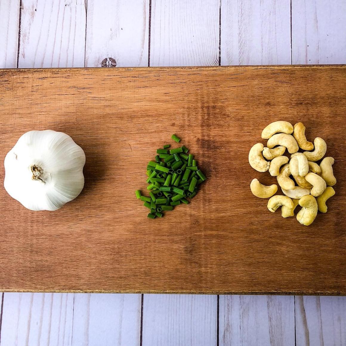 garlic chive sauce prep