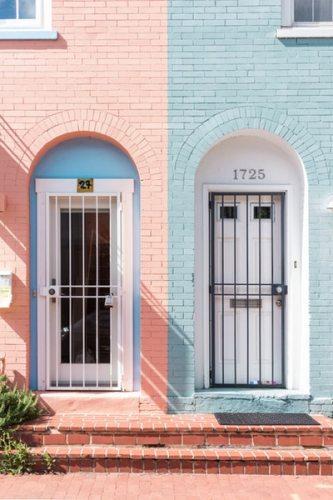 全く違う2つの扉