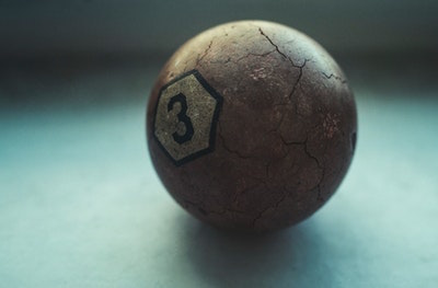 ビリヤードの球3番