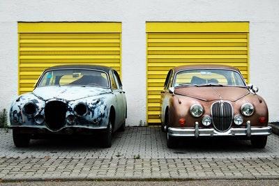 過去と現在を車で比較