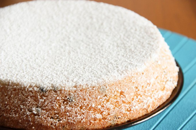 torta_soffice_yogurt_gocce_cioccolato_mandorle