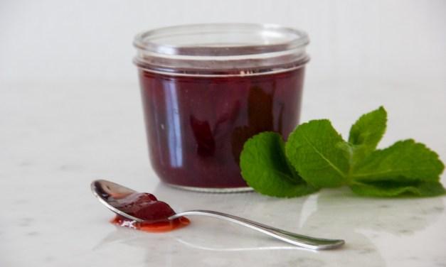 Confettura di fragole, pepe nero e menta