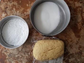Impasto per i crinkle cookies con i vari zuccheri