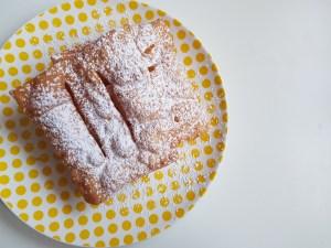 Scopri la ricette delle chiacchiere perfette di Iginio Massari.
