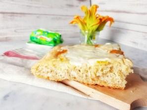 Crunch con stracchino e fiori di zucca