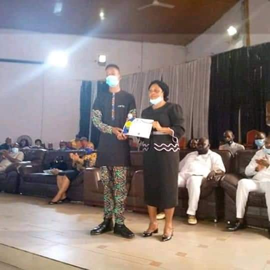 19-Year-Old Nigerian Student Gets Scholarship, NGN200k For Returning Missing Phone