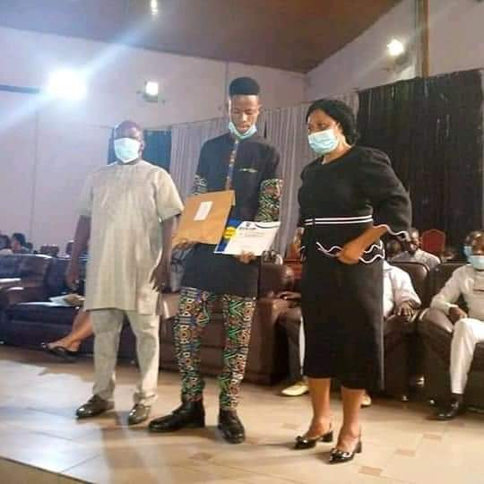 rivers-student-returned-lost-phone-gets-scholarship