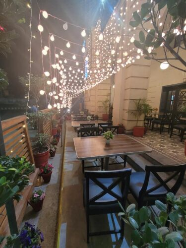 Lahore Cafeteria Mall Road Photos