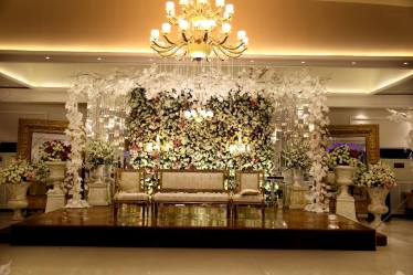 Sapphire Banquet Hall Lahore Pictures