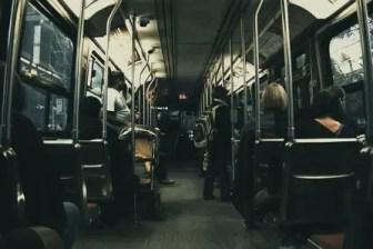 Arti Mimpi Naik Bus Umum