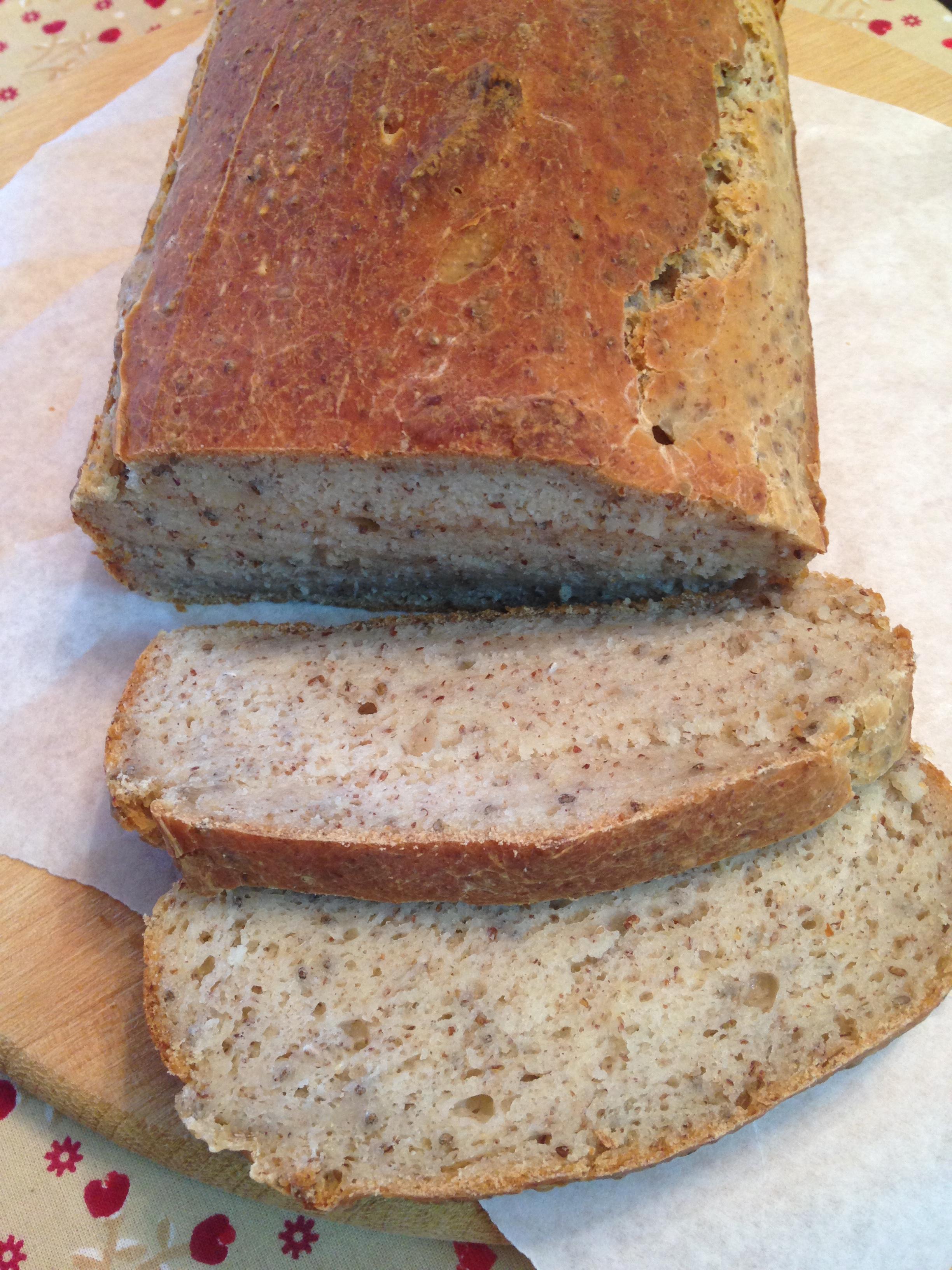 Pão integral sem glúten feito com Mix pronto da Aminna