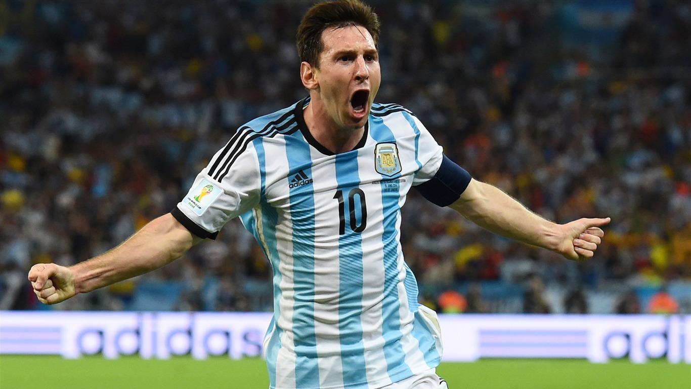 Lionel Messi ari kwishimira igitego