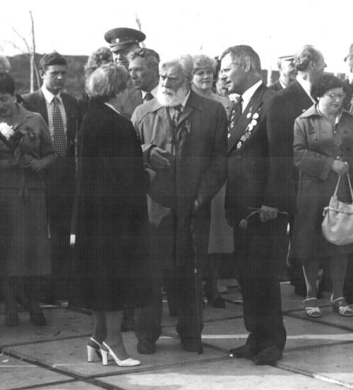 Кибальников А.П. и Менякин Ю.И. 9 мая 1970 - тые годы. Саратов.