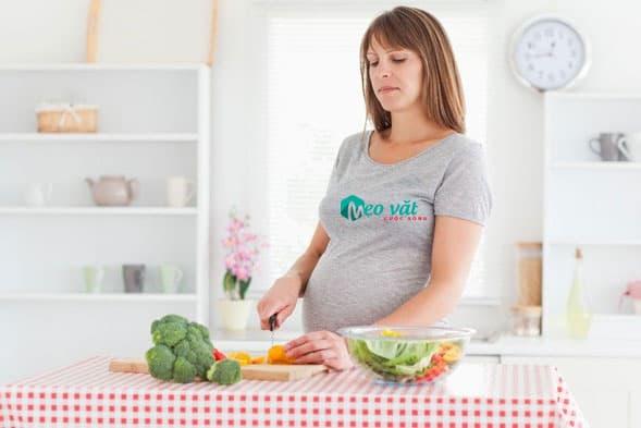Thực phẩm cần thiết chữa táo bón cho bà bầu