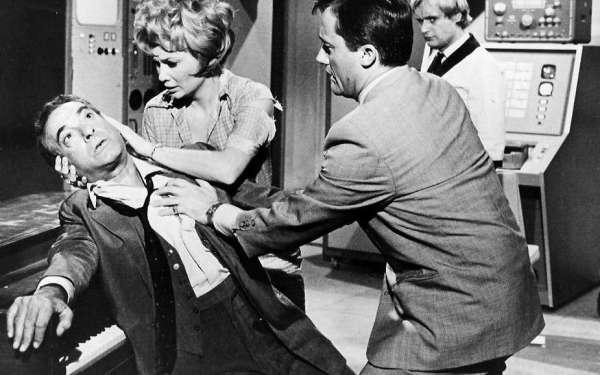 "Кадр из эпизода оригинального ""The Man From U.N.C.L.E"", 1966 год."