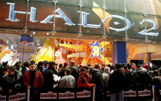 Запуск Halo 2 по ажиотажу вполне мог потягаться с запуском консоли от Sony или телефона от Apple