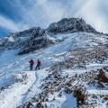 厳冬期「赤岳」へ雪山日帰り登山~刺さる冷気と八ヶ岳ブルーの世界