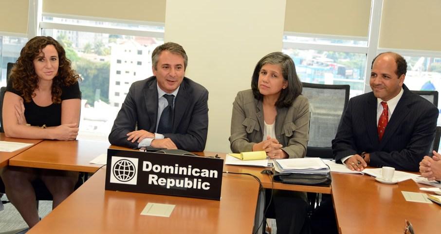 Rueda de prensa en la que el Ministerio de Economía y el Banco Mundial lanzaron el proyecto de Auditoría Social.