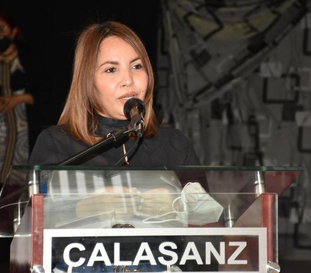 La gobernadora de la Romana, Jacqueline Fernández Brito, agradeció la presencia del viceministro Domingo Matías y sus acompañantes.