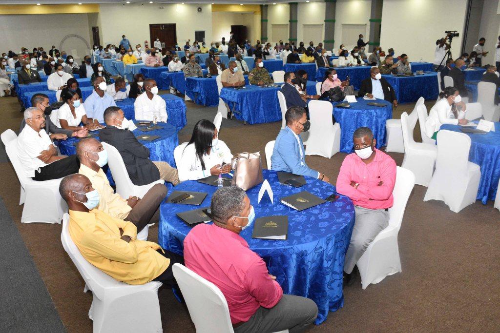 """Asistentes al Congreso de Desarrollo Provincial """"Por amor a Macorís"""", celebrado en el Hotel Coopmarena de Juan Dolio."""