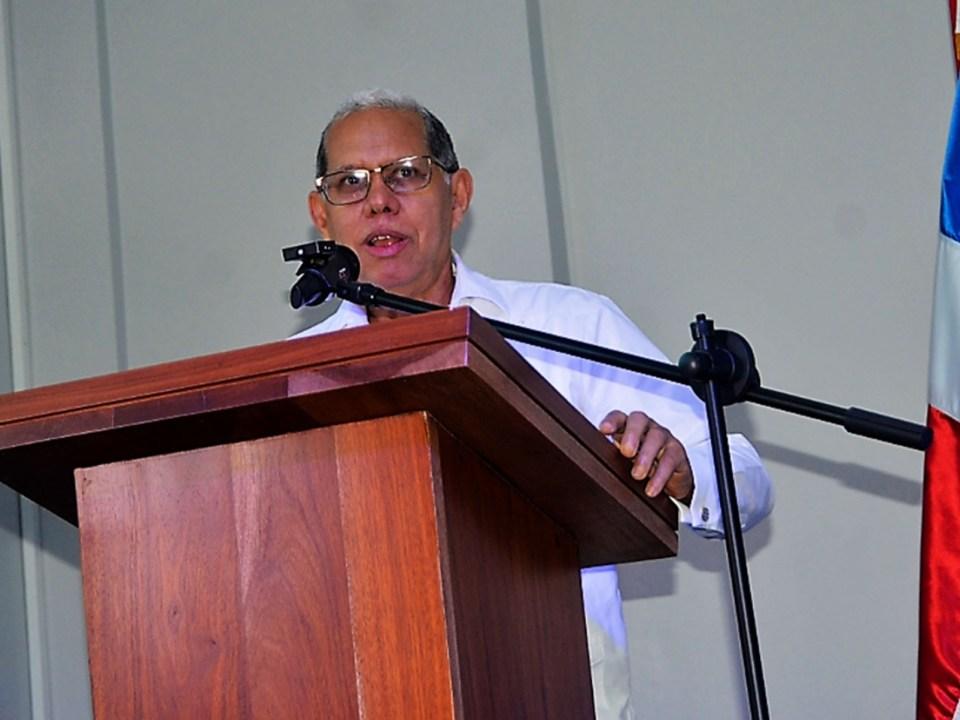 El viceministro Domingo Matías en reunión con el consejo de desarrollo de La Altagracia.