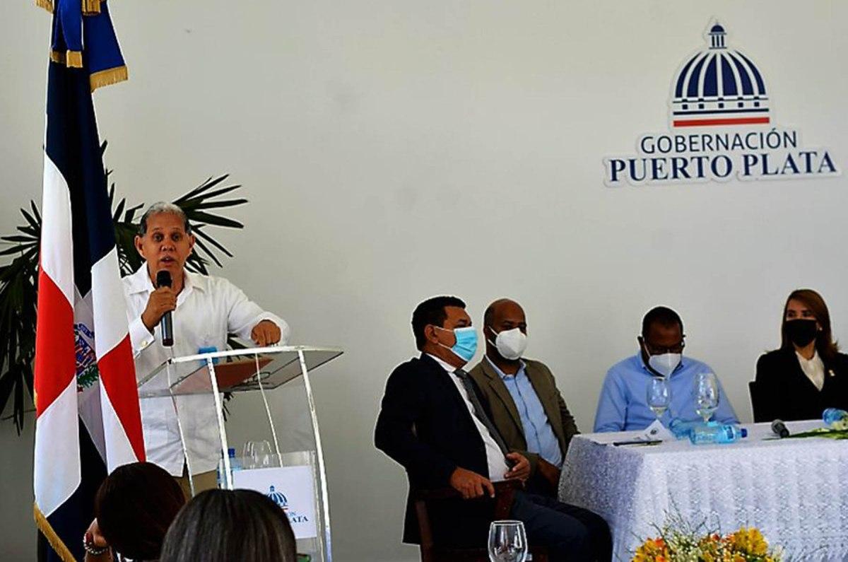 El viceministro Domingo Matías expresó que la voluntad política del gobierno, las autoridades locales y la sociedad civil de cada provincia ha permitido que la descentralización y la oportunidad de articular las políticas públicas en los territorios, se haga realidad.