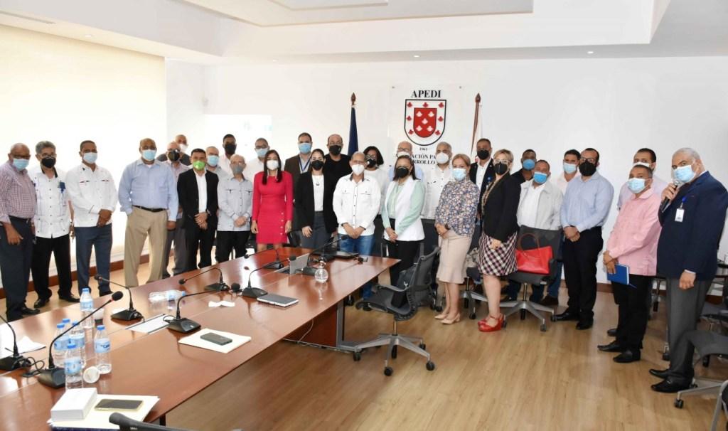 El encuentro con los representantes políticos, alcaldes y sociedad civil de Santiago se realizó en la sede de la Asociación para el Desarrollo de Santiago. El diálogo  buscó soluciones a los problemas de delimitación territorial entre las comunidades.