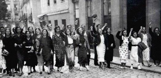 Compañeras de la lucha anti facista.