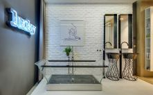transparent-glass-bath
