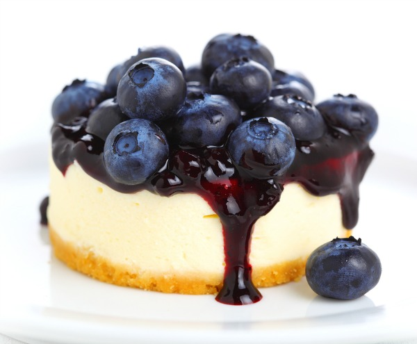 If you're on the hunt for breakfast recipes to kick start your day, looking inspiration for packing healthy lunches for school or work, [desperately] seeking dinner ideas the whole family will love, and/or in need of awesome dessert recipes that will wow your mother-in-law, check out this FABULOUS collection of Greek yogurt recipes! I'm especially excited about the [lighter] blueberry cheesecake recipe because...cheesecake.
