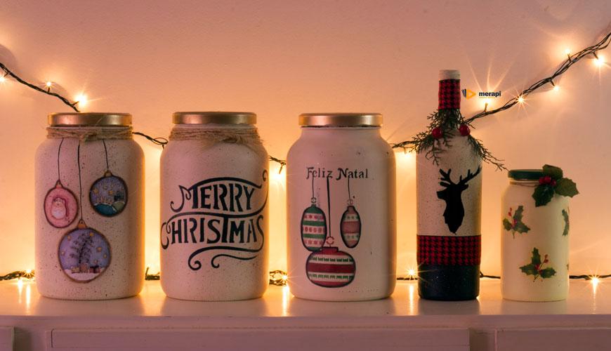 Potes de vidro e garrafa para o Natal