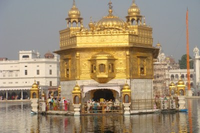 golden temple amritsar side view