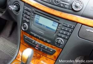 How to remove COMAND Stereo Radio Unit MercedesBenz E320